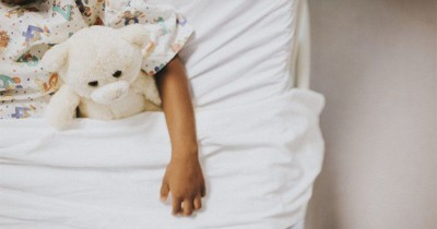 Saat Anak Suka Pura-pura Sakit, Bagaimana Menghadapinya