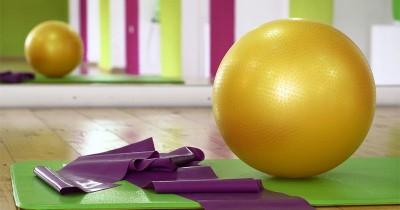 5 Kegunaan Gym Ball Penting Kesehatan
