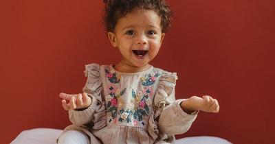 Pilihan 25 Nama Bayi Perempuan Lahir Bulan Agustus