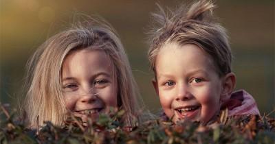 5 Tips Membuat Kakak Adik Bisa Lebih Akur