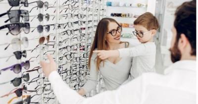 Begini Tips Memilih Kacamata Nyaman Anak