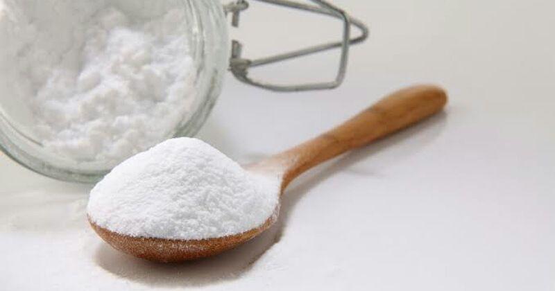 3. Berikan sedikit vanila adonan kue