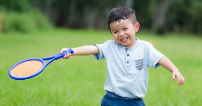 Lebih Bugar Yuk Ajak Anak Bermain Tenis Lapangan