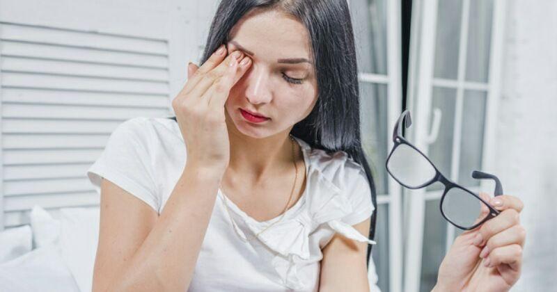 4. Iritasi mata menyebabkan masalah penglihatan sementara