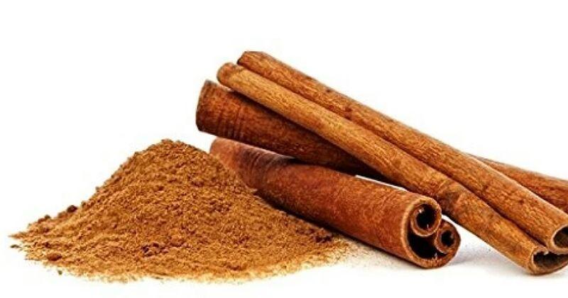 4. Bubuhkan bubuk kayu manis menghasilkan aroma harum kue