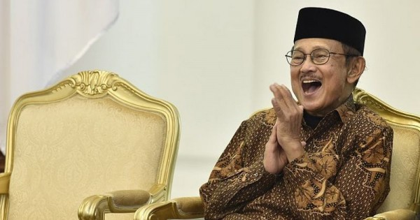 15 Quotes Bj Habibie Menggugah Hati Pikiran Popmamacom