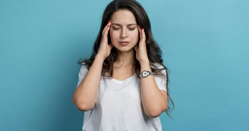 5. Sakit kepala bersamaan mual muntah