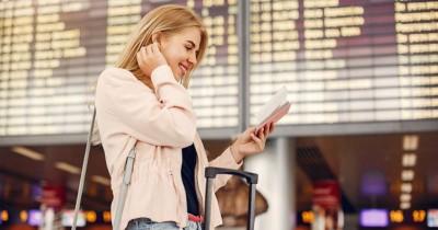 5 Cara Menikmati Perjalanan dengan Pesawat untuk Kamu yang Mudah Bosan
