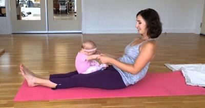 Wajib Dicoba: 5 Pose Yoga yang Bisa Dilakukan Bersama Bayi