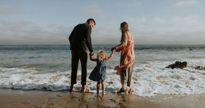 Mengenal Tipe Helicopter Parenting Apa Efek Anak