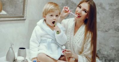 Mama Perlu Mengetahui 5 Jenis Sikat Gigi Sesuai Usia Anak