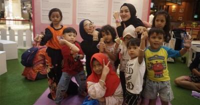 5 Manfaat Meronce Manik-Manik Bagi Perkembangan Otak Anak