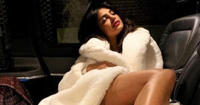 5 Gaya Priyanka Chopra Sangat Mencuri Perhatian
