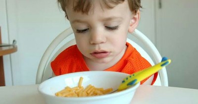 Nafsu Makan Anak Berubah? Cek Penyebabnya Disini!
