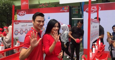 Kompak! Titi Kamal & Christian Sugiono Utamakan Pola Hidup Bersih