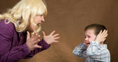 Tanpa Disadari, 5 Kebiasaan Orangtua Ini Bisa Mempermalukan Anak