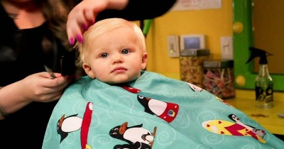 Wajib Tahu Tips Memotong Rambut Bayi Pertama Kali