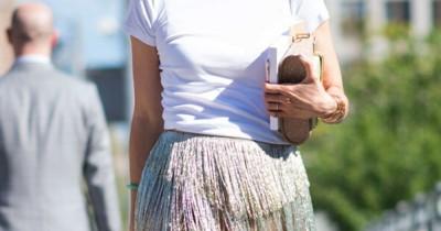 5 Cara Memakai Kaus Putih agar Terlihat Lebih Stylish