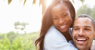 5 Manfaat Sentuhan untuk Membuat Hubungan Semakin Erat
