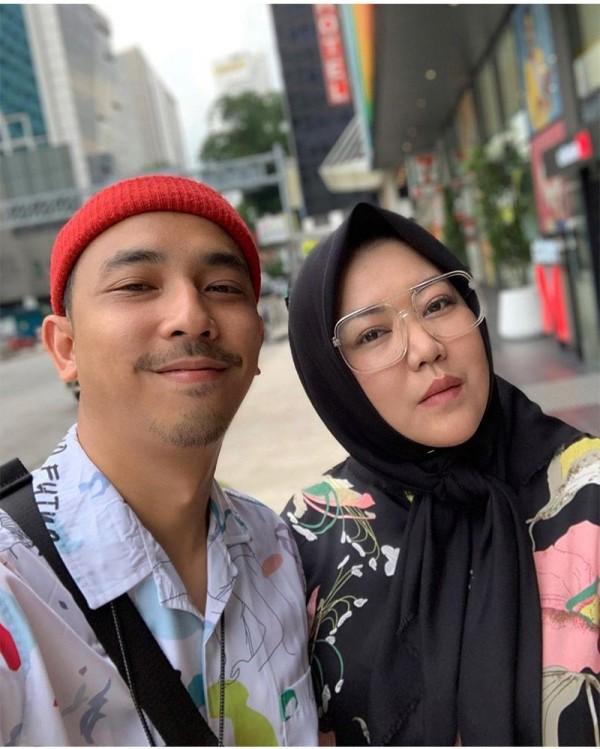 Hamil Anak Pertama Risa Saraswati Ditinggal Peter Cs Dan Kerasukan Popmama Com