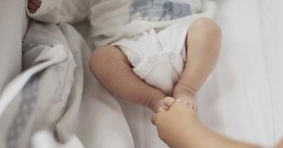 Ada Darah di Popok Bayi, Apakah Berbahaya?
