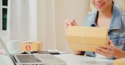 Cegah Corona, Ini 5 Tips Aman Terima dan Buka Paket Belanja Online!