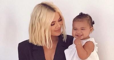 10 Gaya Parenting Khloe Kardashian