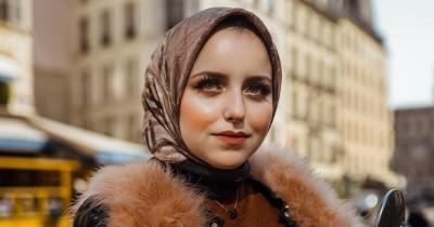 7 Tips yang Perlu Diperhatikan agar Hijab Bebas Bau