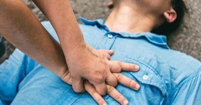 6 Fakta Cara Menangani Jantung Berhenti CPR