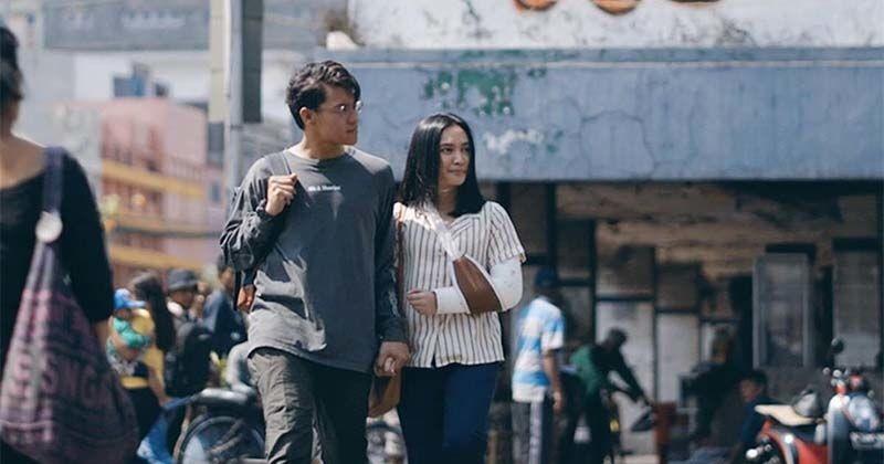 Bedah Karakter Film NKCTHI: Kale Si Pembawa Warna di Hidup Awan   Popmama.com