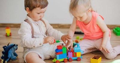 8 Rekomendasi Paket Mainan Mengasah Kreativitas Anak