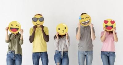 Tak Disangka, 15 Emoji Ini Bisa Membangkitkan Gairah Seks saat Sexting