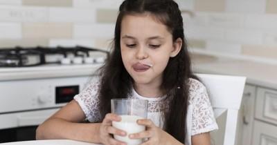 7 Rekomendasi Merek Susu untuk Meninggikan Badan Anak