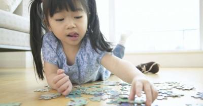 Tangan Anak Sering Gemetar, Apa Penyebabnya, Ya
