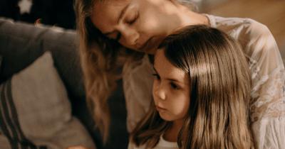 Mama Perlu Tahu, 5 Hal Pemicu Kerontokan Rambut Anak