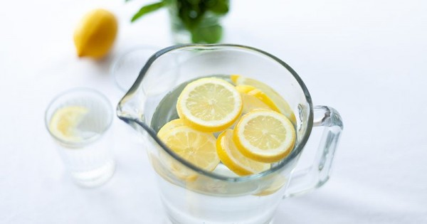 10 Manfaat Minum Air Jeruk Lemon Bagi Kesehatan Ibu Hamil Popmama Com