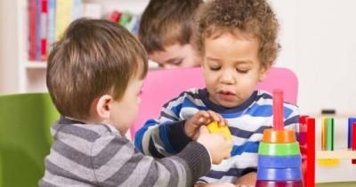 5 Cara Efektif Hilangkan Sifat Posesif Anak
