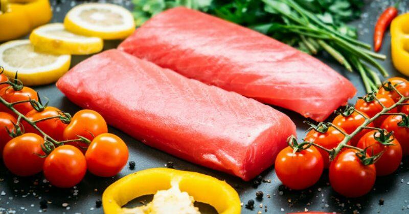 8. Ikan tuna