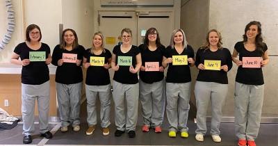 Unik! 11 Perawat Unit Kehamilan dan Persalinaan Hamil Bersamaan