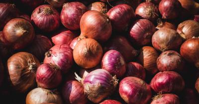 5 Tips Memotong Bawang Merah agar Tidak Menangis, Anti Perih