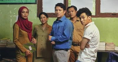 Film Debut Karya Dian Sastro Guru-Guru Gokil Akan Tayang di Netflix