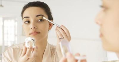 Pu Kulit Kering Ini 9 Tips Makeup Cocok Mama