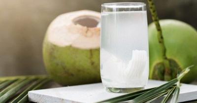 Segar Menyehatkan, Bolehkah Bayi Minum Air Kelapa