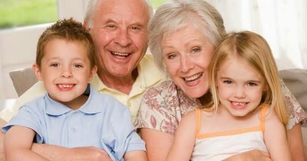 Tipe Perilaku Kakek dan Nenek Terhadap Cucunya | Popmama.com