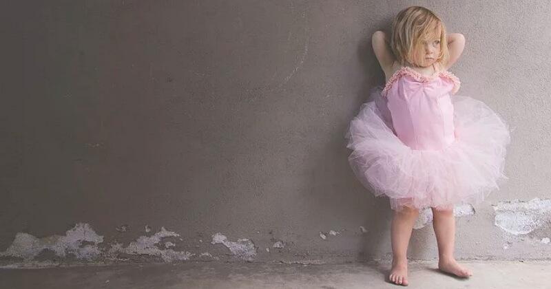 1. Austisme anak merupakan kelainan neurologis