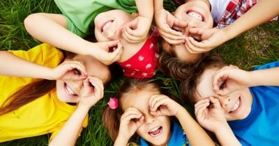 5 Cara Mendidik si Kecil agar Bersikap Ramah Orang Lain