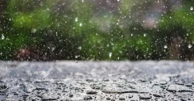 5 Cara Efektif Mencegah Percikan Air Hujan Masuk Rumah