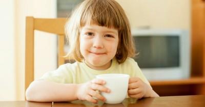 Bolehkah Anak Balita Minum Teh Manis Setiap Hari