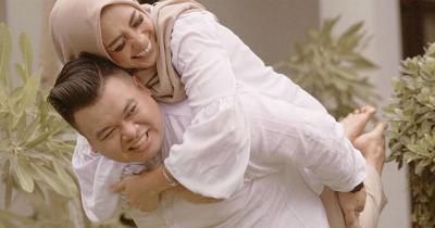 10 Potret Keharmonisan Mama Lita MasterChef Suami
