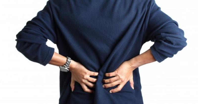 6. Kelengkungan tulang belakang tidak normal